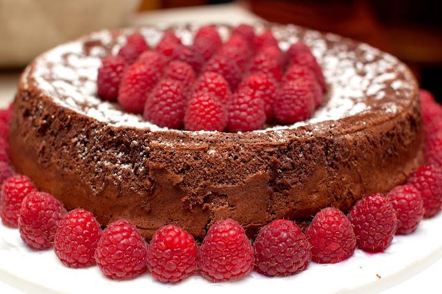 Torta al Cioccolato Senza Uova e Burro