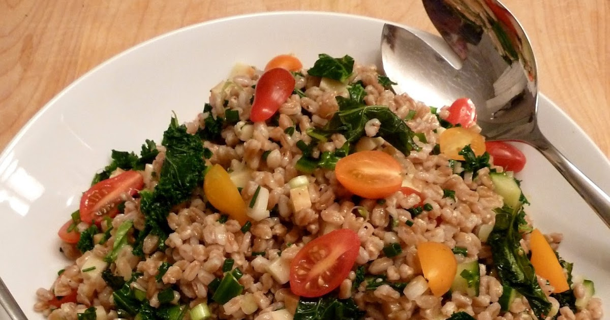 Cracked Pepper: Farro, Kale & Smoked Mozzarella Salad