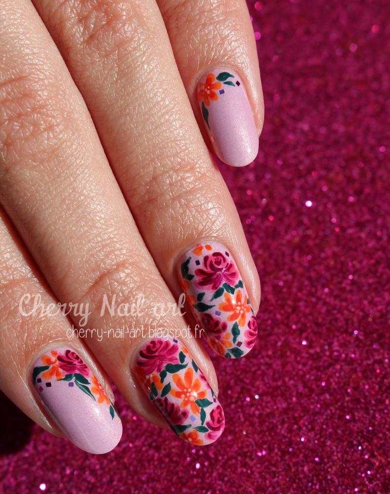 nail art fleur liberty facile au vernis