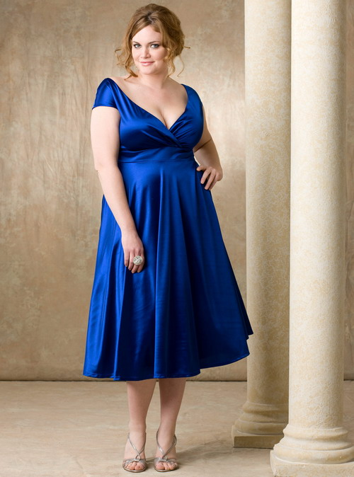 Helpful guides when choosing the best plus size bridesmaid for Plus size silk wedding dresses