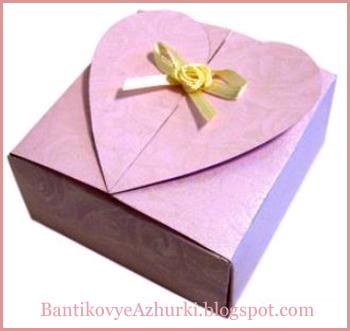 упаковка-коробочка с сердечком на день святого валентина