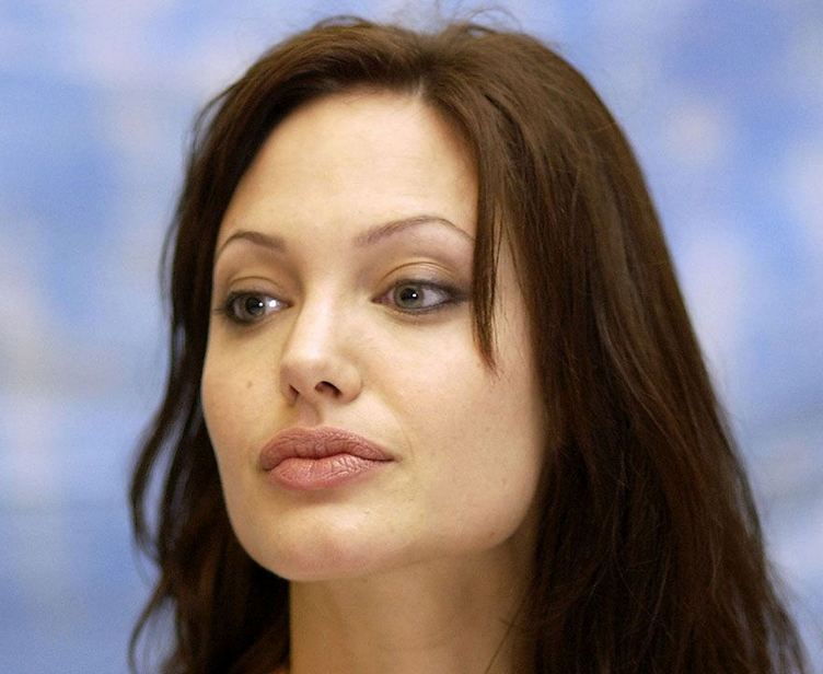 Angelina+Jolie+hot+lips
