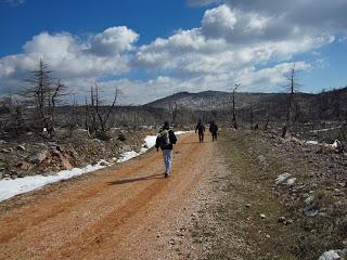 Η πορεία προς το Σπήλαιο Πανός στην Πάρνηθα