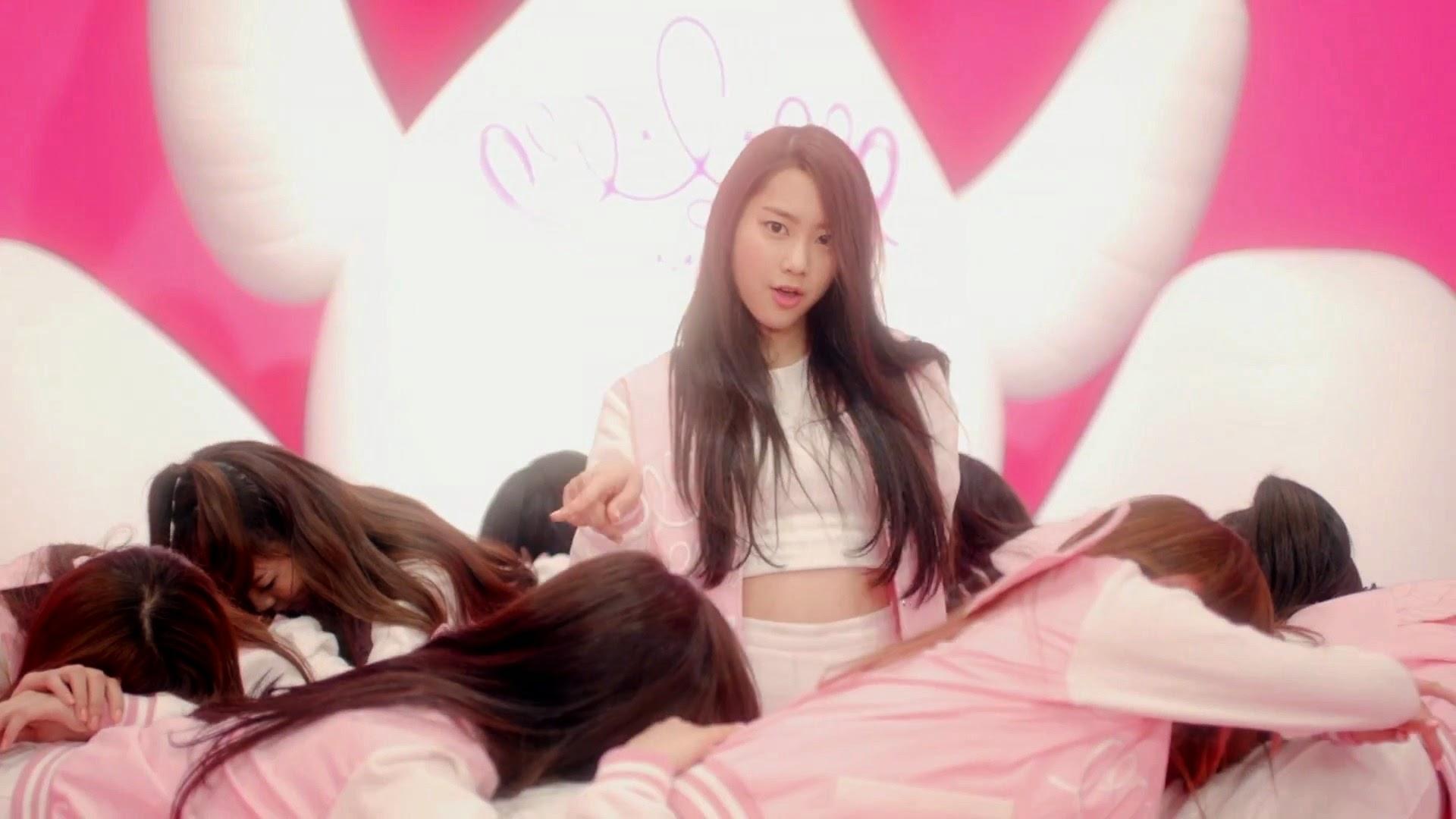 Oh My Girl's Jiho in Cupid MV