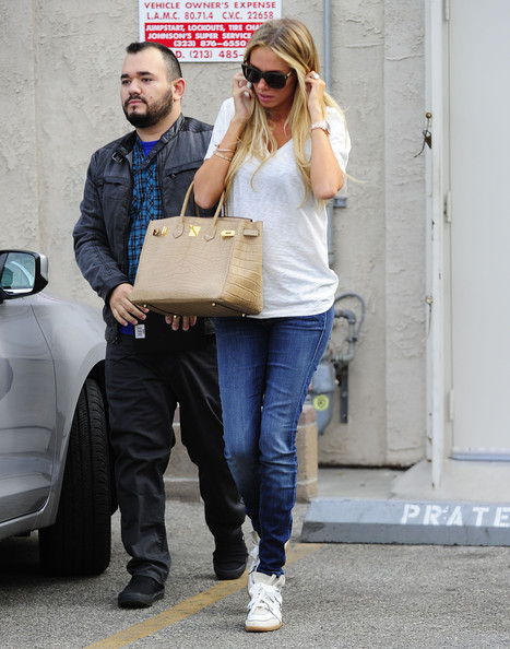 Home » » Petra Ecclestone de Shopping en Hollywod