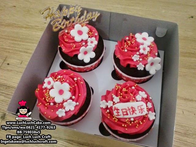 Cupcake Buttercream Cantik Hadiah Ulang Tahun