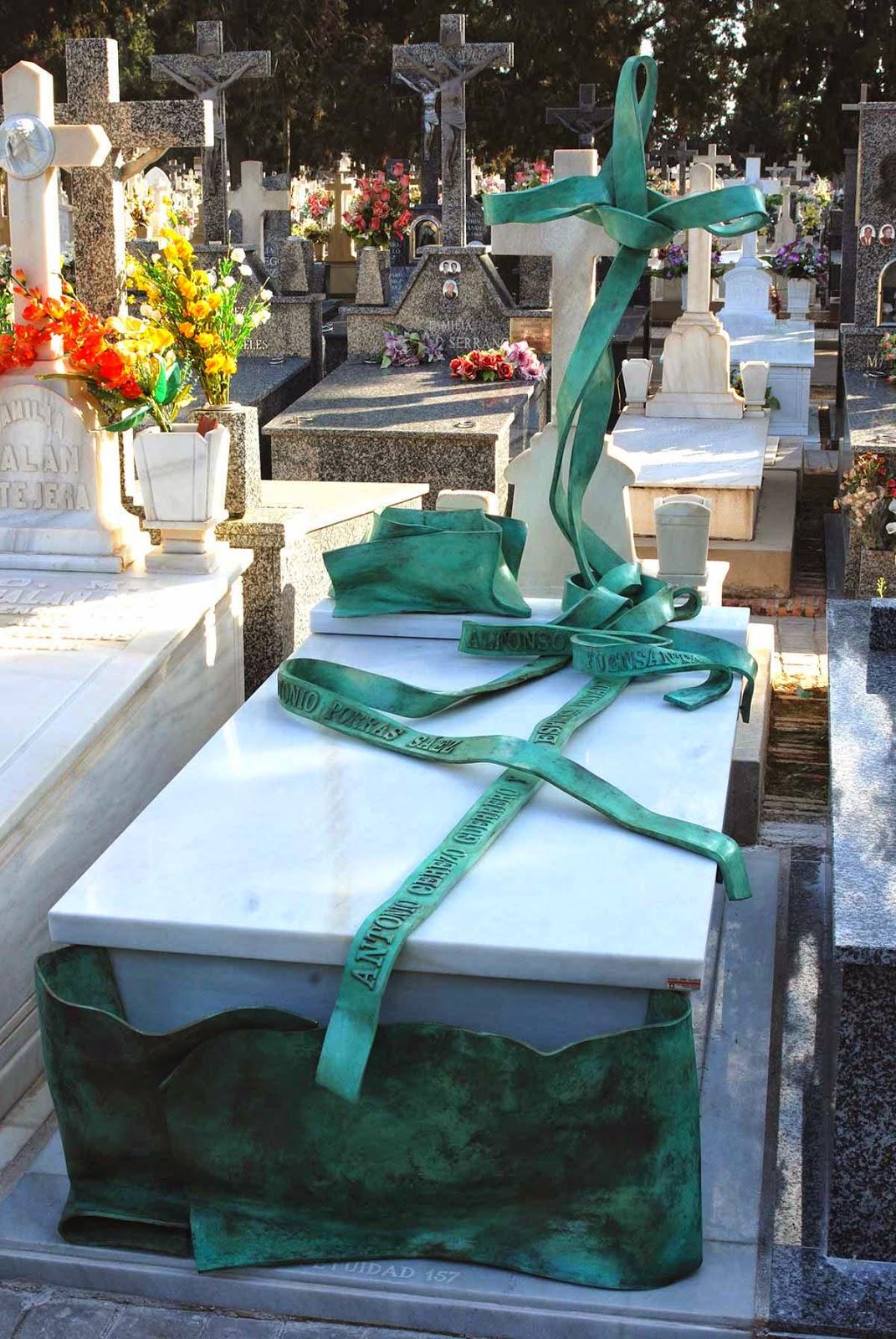 Monumento bronce cementerio Murcia Arturo Serra escultura 8