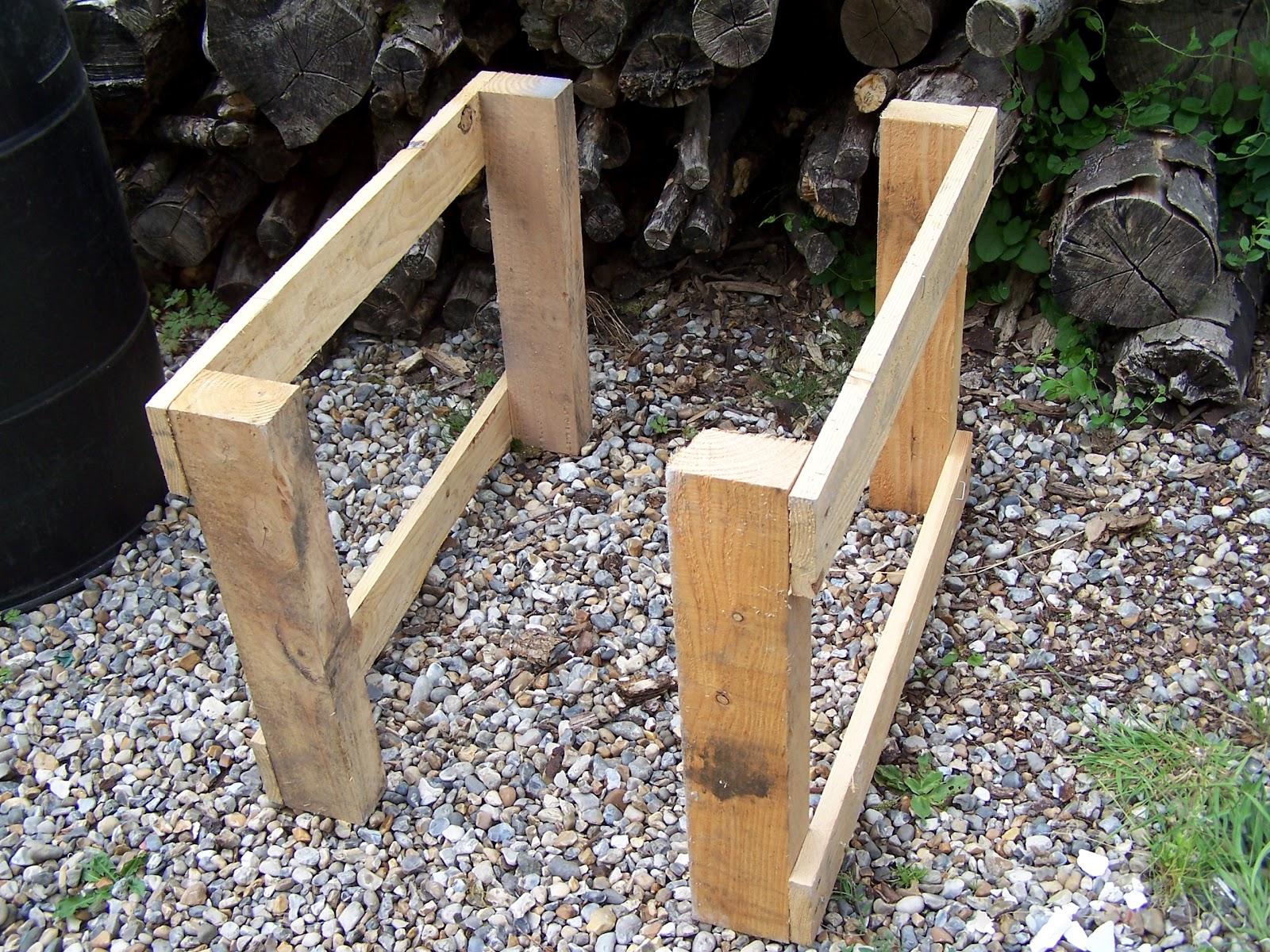 Ecolo bio nature permaculture urbaine et jardinage bio construction d 39 - Fabriquer des pieds de table ...
