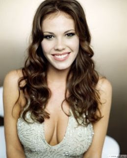 The Las Vegas star, Nikki Cox, 32, gave birth to son Meredith Daniel Mohr on ...