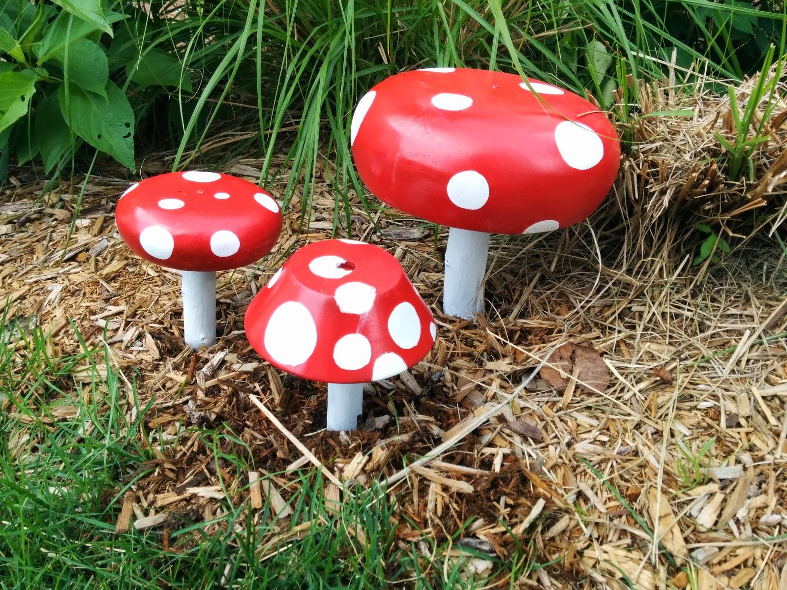 susie qute mushroom garden decorations diy
