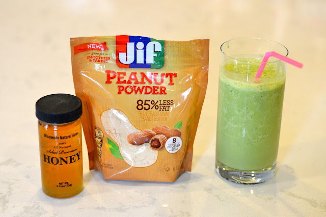 green-smoothie-jif-powdered-peanut-butter