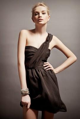 vestido negro para Navidad Suiteblanco