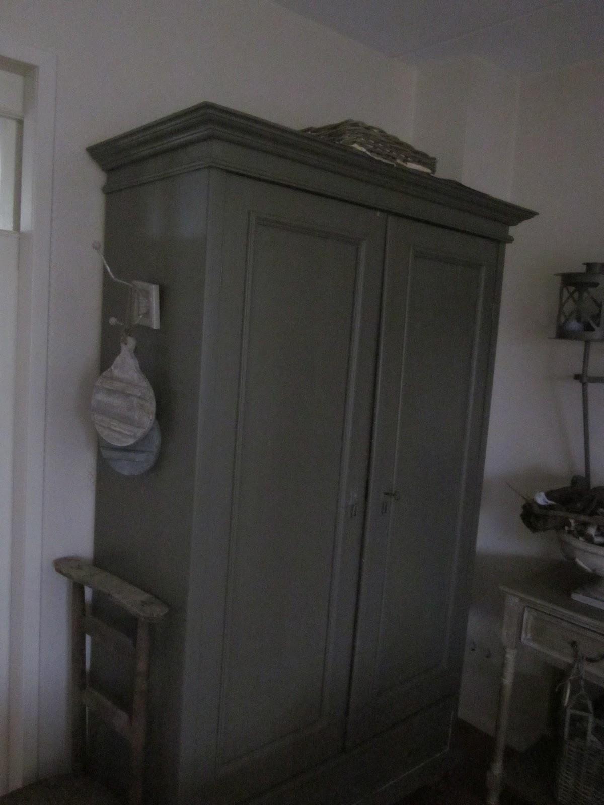 Krijtbord Keuken Xenos : was ooit grenen…..toen wit, toen creme, en nu zo…..