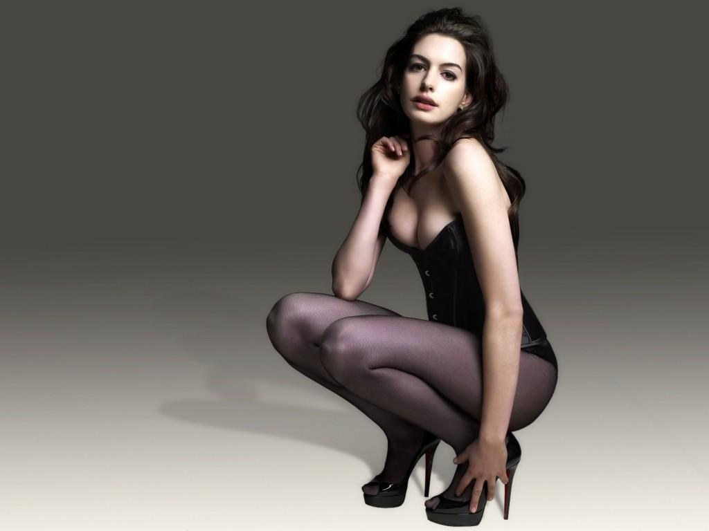 Anne Hathaway catwoman workout