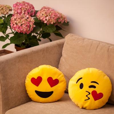 almofadas emojis