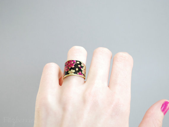 https://www.etsy.com/listing/191120395/wide-band-ring-with-floral-pattern?ref=favs_view_21