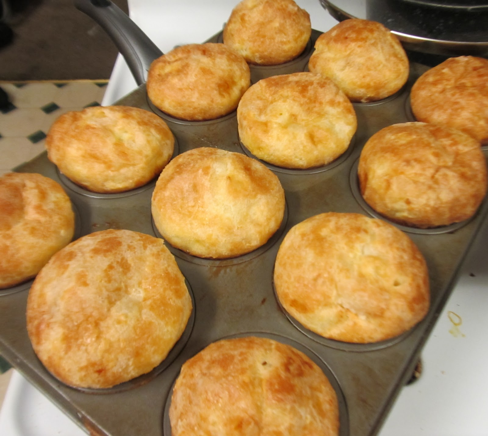 Debbi Does Dinner... Healthy & Low Calorie: Popovers