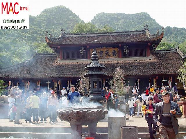 chùa hương là điểm du lịch tâm linh nổi tiếng miền bắc