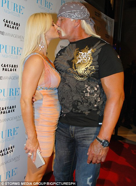 Inidia Koleksi Gambar 4 Foto Jennifer McDaniel dan Hulk Hogan