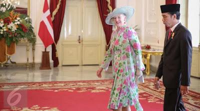 [News] Ratu Denmark Penasaran Batik Iriana Jokowi