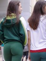 Voyeur En La Calle Young Girl In Yoga Pants