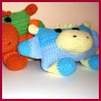 Hipopótamos cuadrados de colores a crochet