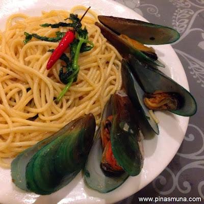 Primero Casa Filipino - Spaghetti aglio e olio