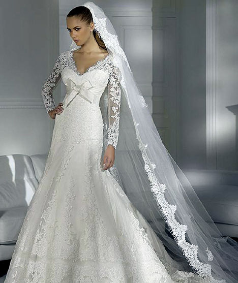 Winter wedding dress designs with snow white wedding dress for Lace winter wedding dresses