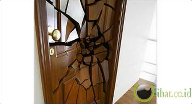 Pintu Hancur