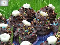 http://cecilecupcakecafe.blogspot.de/2013/07/schoko-bananen-cupcakes.html