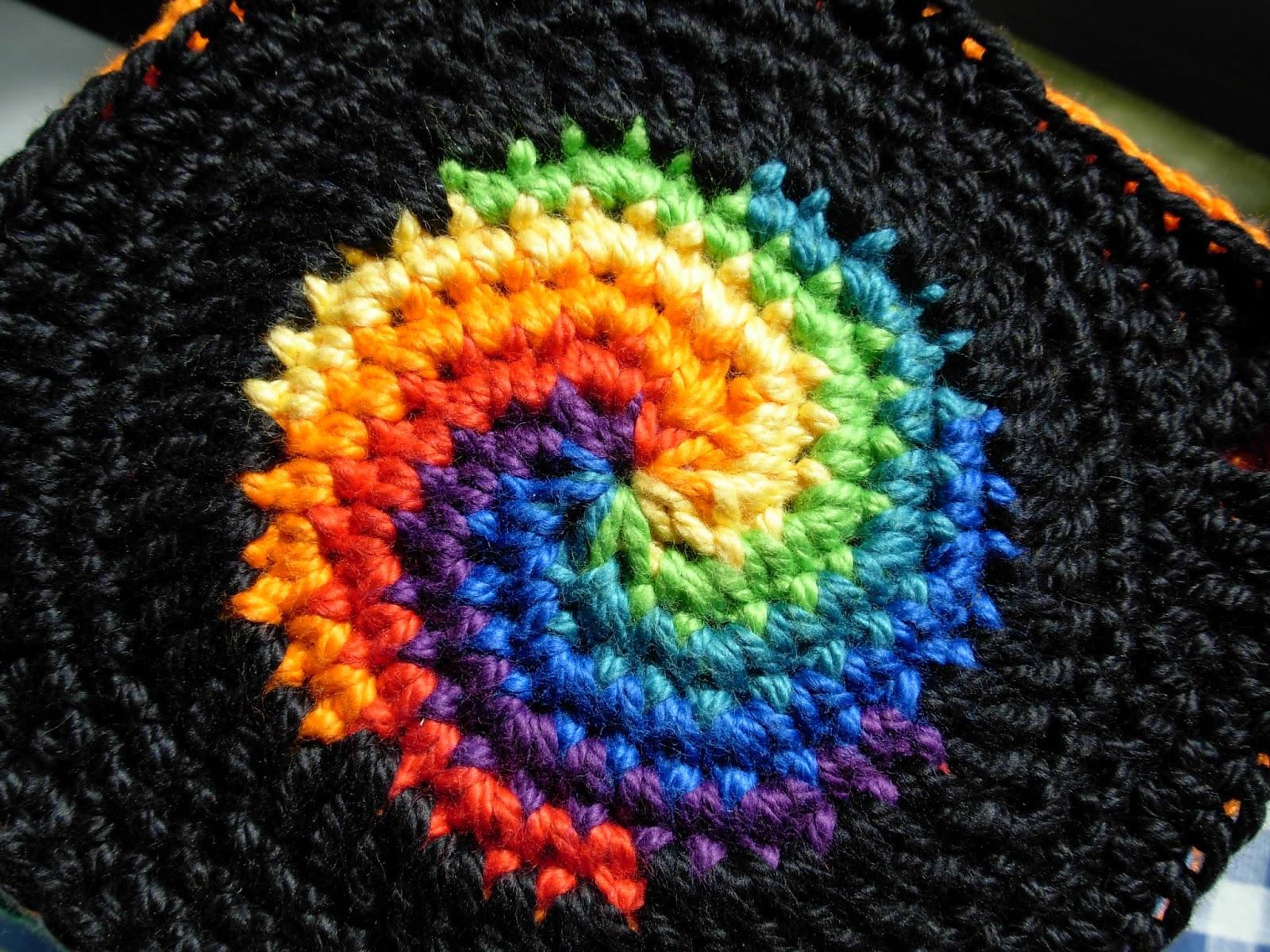 häkeln in Regenbogenfarben