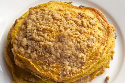 Mamta: pumpkin pancakes w/cinn streusel