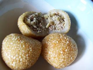 makanan khas indonesia - kue tradisional onde-onde