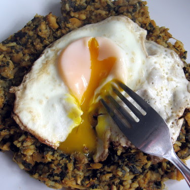 chole palak chickpeas and spinach with fried egg