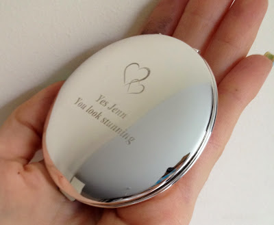 getting-personal-personalised-mirror-compact
