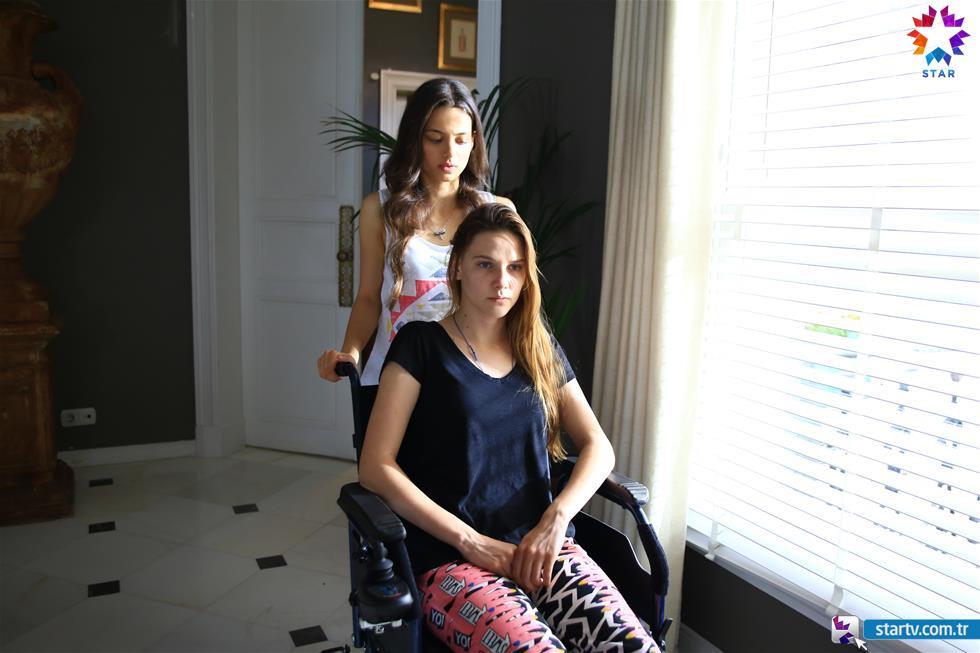 Гардероб фото лейла танлар и ее одежды
