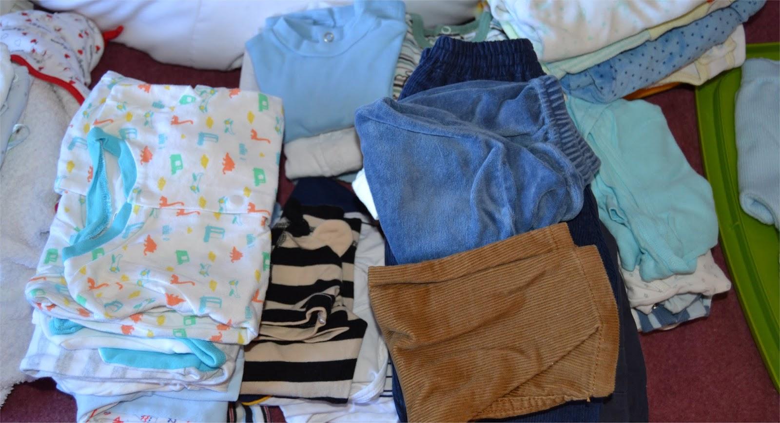 A n eres joven ideas para almacenar y guardar ropa de beb for Cajas de plastico para guardar ropa