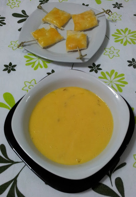 crema de pepinos con cebolla confitada