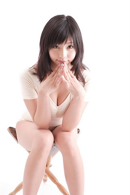 Japanese Model Maya Koizumi – Fit And Tight