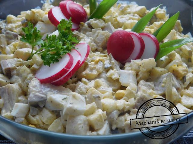 Sałatka na przyjęcie imprezę domówkę zimna płyta śledź studencka prosta salat