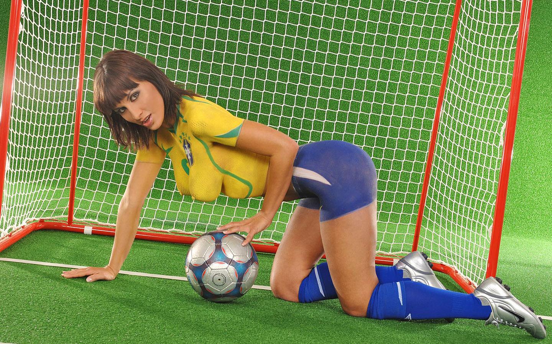Самые сексуальные футболистки 27 фотография
