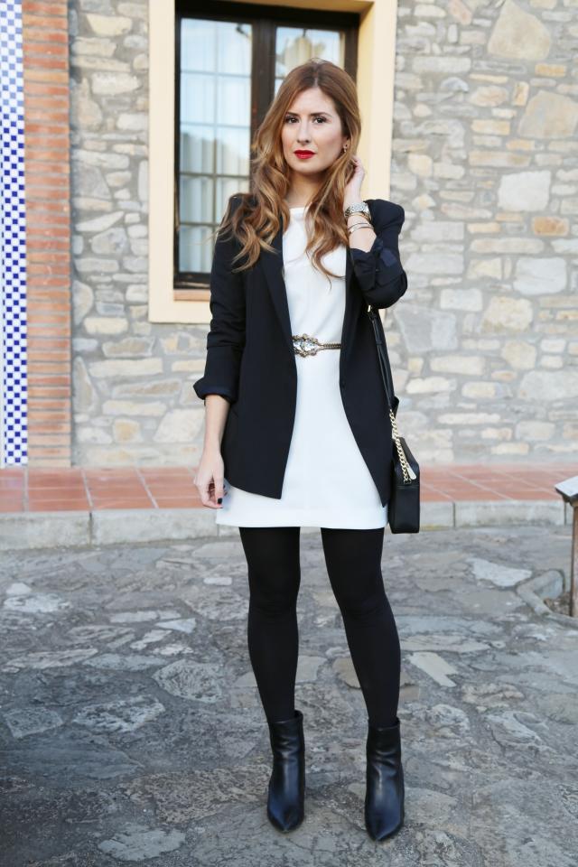 Look con vestido blanco