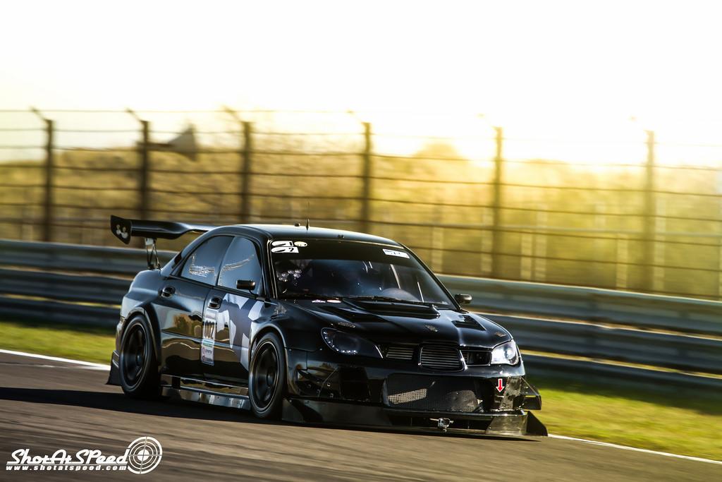 Subaru Impreza WRX STi GD, kultowe sportowe auta, japońskie samochody po tuningu, JDM, zdjęcia, tylny spojler, wyścigi