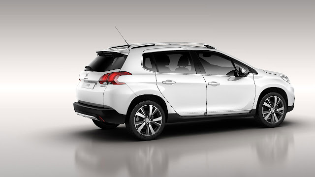Peugeot 2008 Crossover side