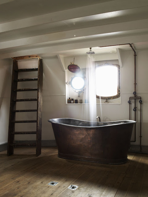 bathtub made of copper or pounded metal