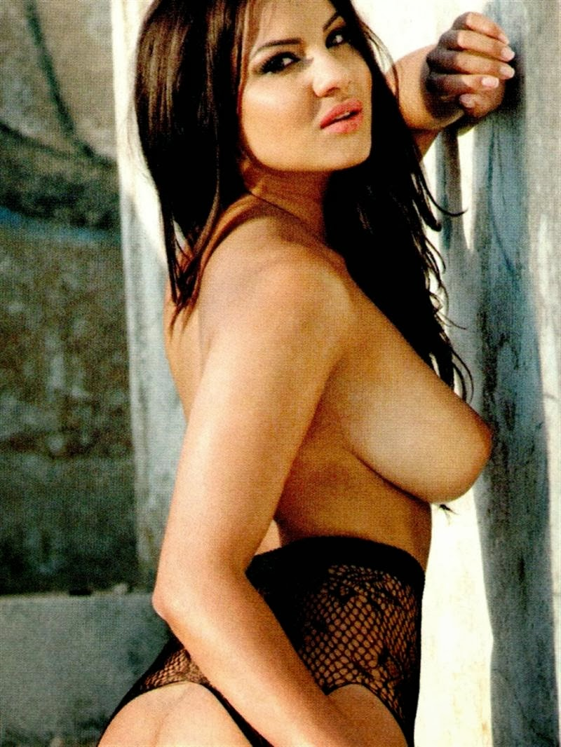lacey banghard topless topless in zoo magazine 07 cr1391020235282