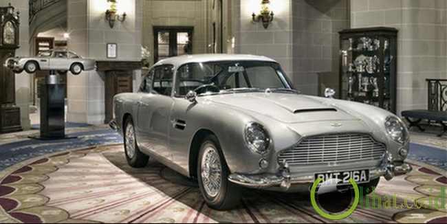 Aston Martin DB5 (1965)