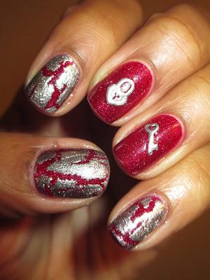 Zoya, Blaze, Avon, Mosaic Effect, Mosaic Mica, crackle, shimmer, holo, lock, key, heart, red, silver, nails, nail art, nail design, mani