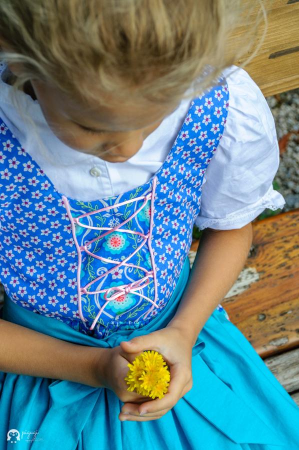 Dirndl Mondbresal Jolijou Schulanfang Blumen blau poopy-go-lucky giraffenland