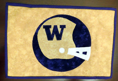 WA Huskies Mug Rug